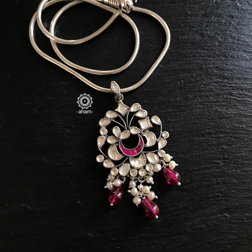 Kundan Pendant with Kemp and Pearls