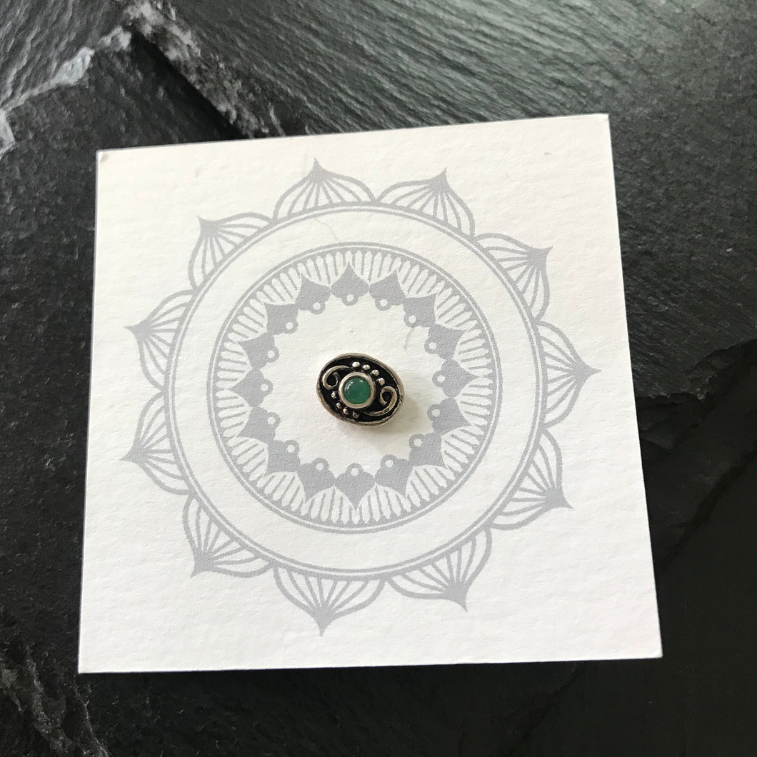 Silver Wire Oval Nosepin with Green Stone