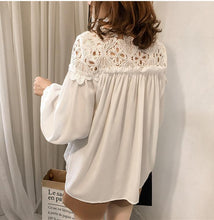 Load image into Gallery viewer, Fashion Hooked Flower Hollow Lace Splice Snow Spinning Sweater