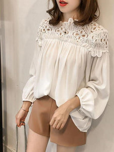 Fashion Hooked Flower Hollow Lace Splice Snow Spinning Sweater