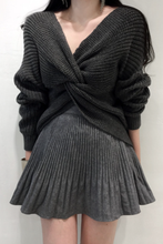 Load image into Gallery viewer, Fashion Cross Pleat Pure Colour Knitted Sweater
