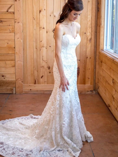 Mermaid sweetheart lace wedding dress with chapel train