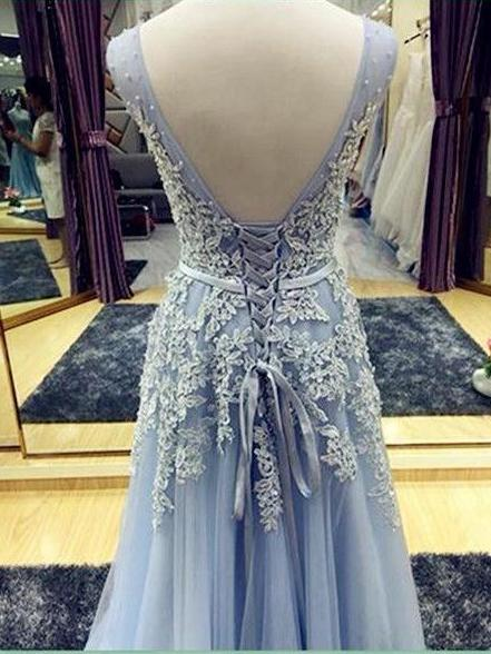 A-line v-neck sleeveless applique tulle prom dress