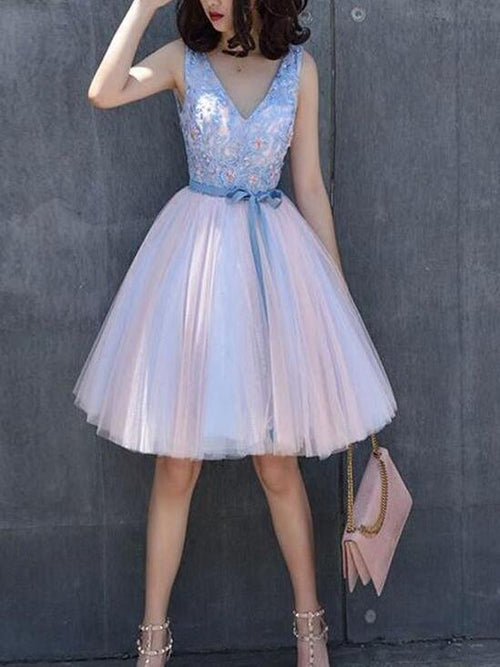 A-line v-neck sleeveless short tulle prom dress with applique