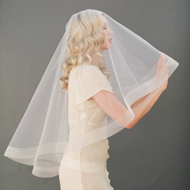 Champagne bridal veil elbow length drop veil