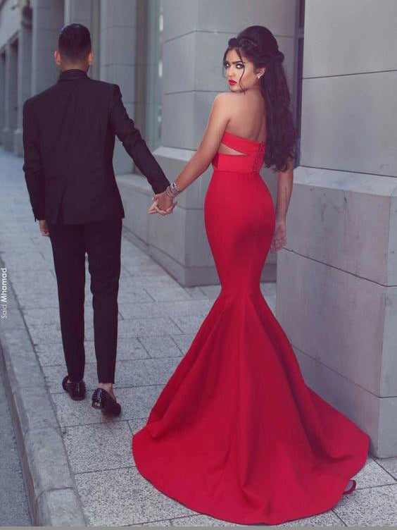 Mermaid sexy sweetheart pleated cut out red prom dress