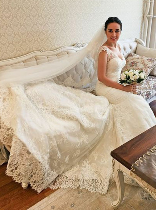 Mermaid elegant v-neck lace wedding dress with chapel train