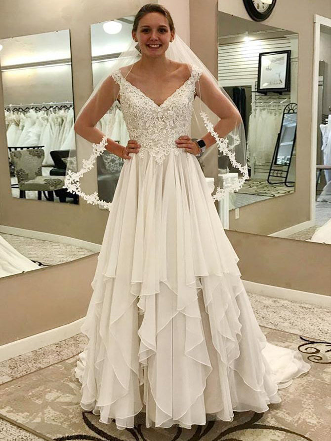 Off the shoulder v-neck appliqued tiered chiffon wedding dress with chapel train