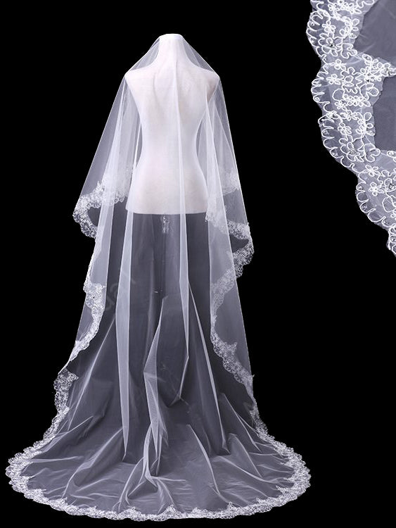 One tier 3 meters bridal veil with lace applique edge Va025