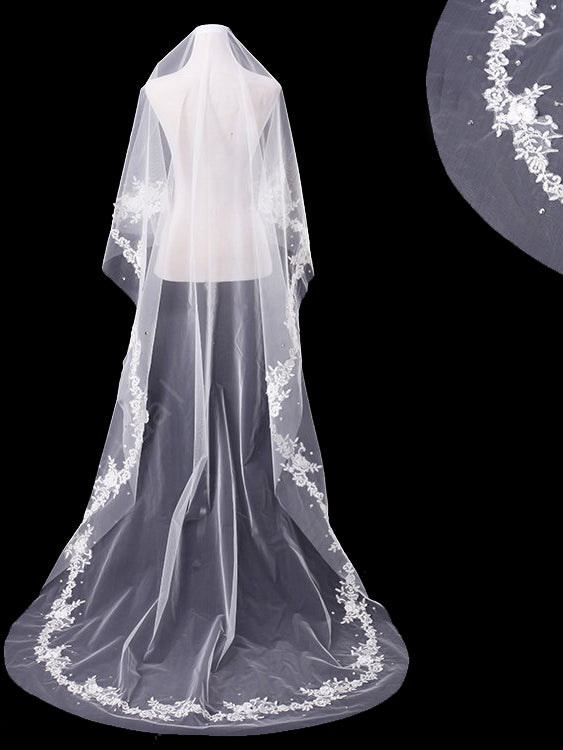 One tier 3 meters bridal veil with lace applique edge Va032
