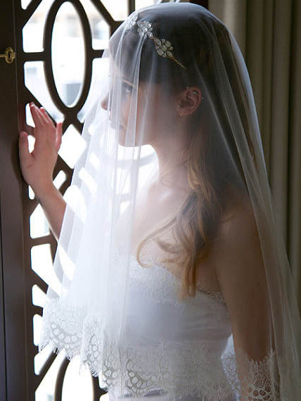 Scalloped lace edge elbow length drop veil head covering