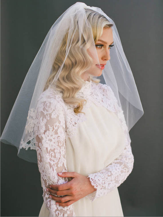 Short illusion appliqued decorated elbow length wedding veil