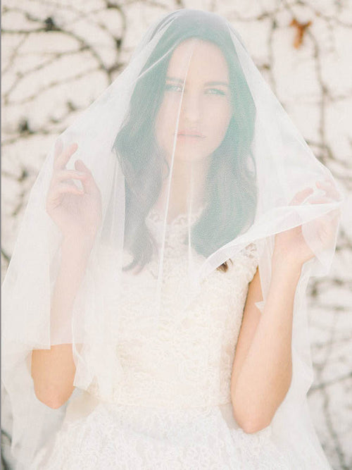 Single-tier chapel length veil bridal head covering