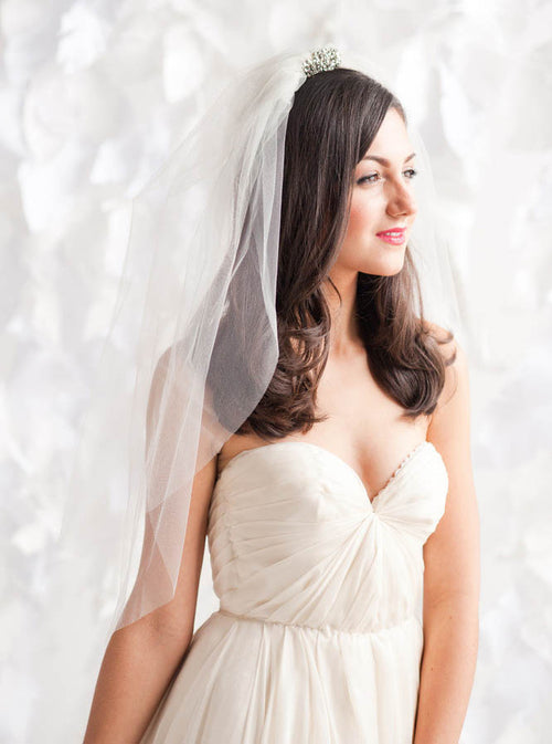 Two-tier elbow length shell shape wedding veil