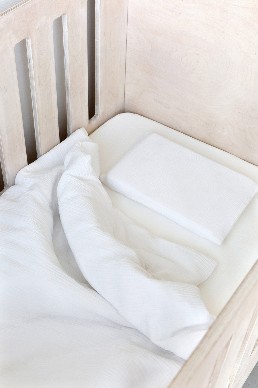 White Muslin Cot Fitted Sheet