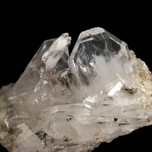 Load image into Gallery viewer, Quartz (faden); Berrien, France - Alexandria Mineral Shop