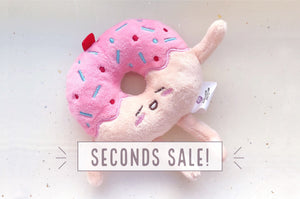 Donut Stuffed Toy Charm (Seconds)
