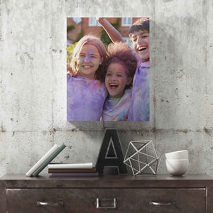 A rectangular canvas that is the perfect size to turn your walls into an art gallery. Great for portraits, group photos and landscapes.