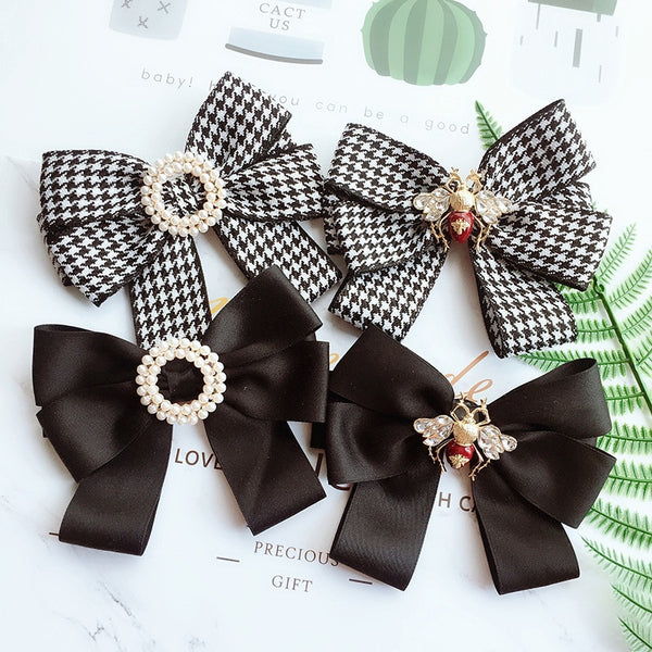 Lilla Bow Brooch