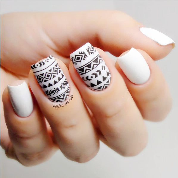 Geometric Tribal Pattern Water Transfer Sticker Nail Art Decals - 1 Sheet