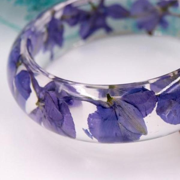 Handmade Translucent Dried Purple Flowers Resin Bangle Bracelet