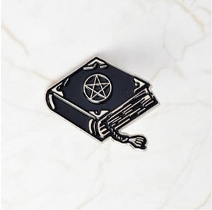 Halloween Bizarre Devil ghost simulated Enamel metal book of crystal ball coffin pentagram magic ball shape brooch pin for gift