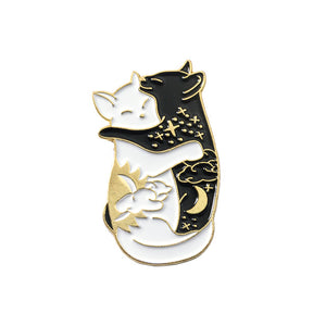 Hugging cats Brooches Badges Hard enamel pins Backpack Bag Hat Leather Jackets Fashion Accessory Cat jewelry
