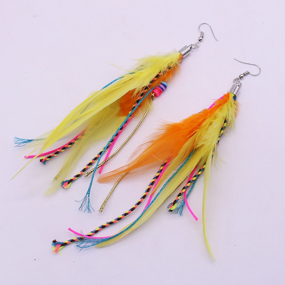 Onlyee Fashion Jewelry Colored feathers, exotic pendant earrings, long fringe ladies feather earrings, bohemian earrings