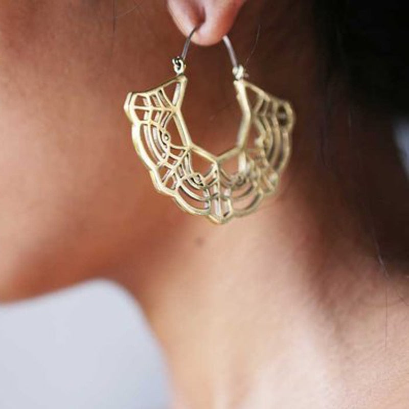Geometric Marigold Lace Hoop Earrings - 2 Colors