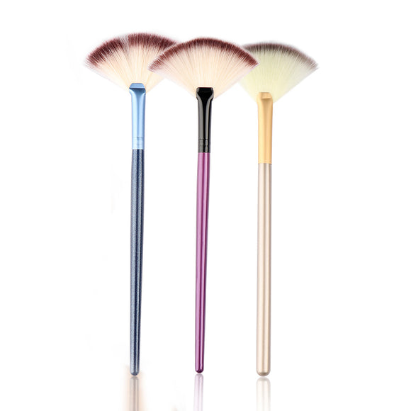 PROFESSIONAL COSMETIC SMALL SOFT BLENDING MAKEUP BRUSH - 1PC