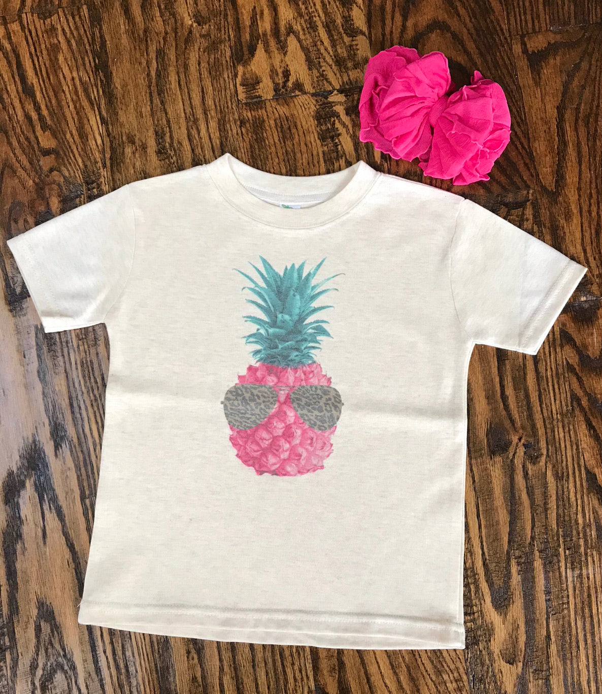 Pink Pineapple with Leopard Sunglasses