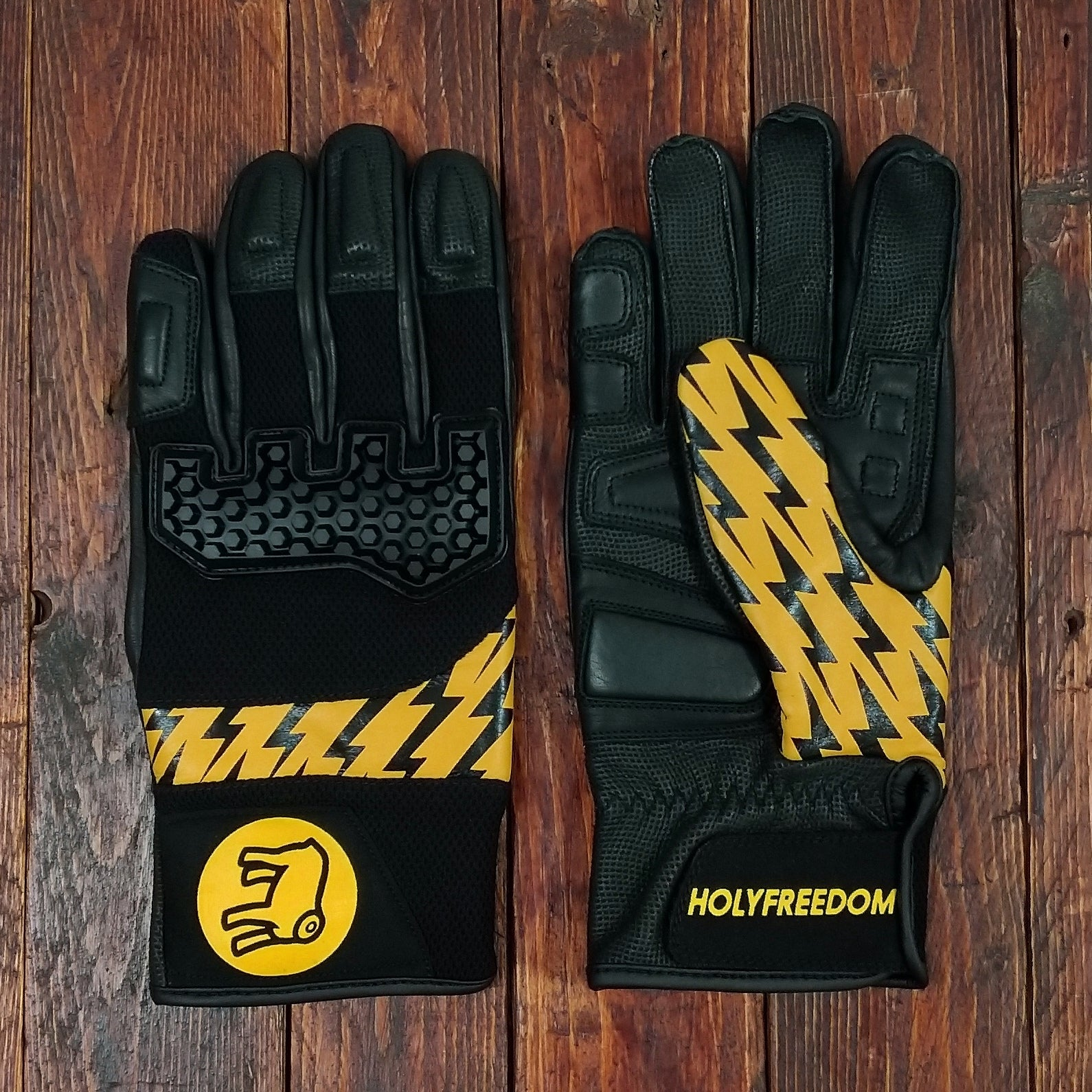 Holy Freedom Saetta motorcycle gloves