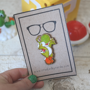 Jumping Mr. Green Maple Wooden Pin
