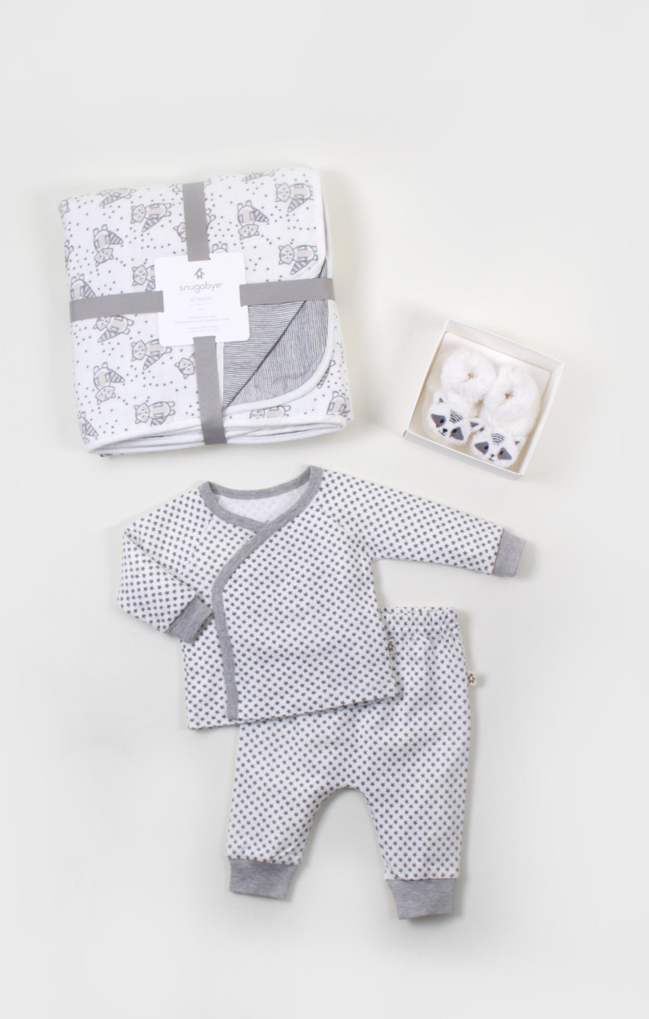 Cozy Cuddle Gift Bundle for Neutral