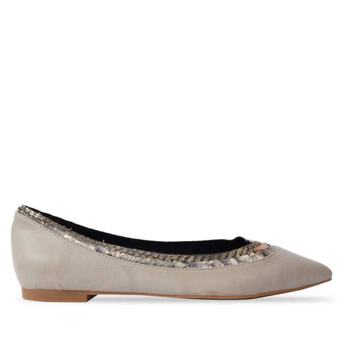 Woman Paula Leather Flats - Cream