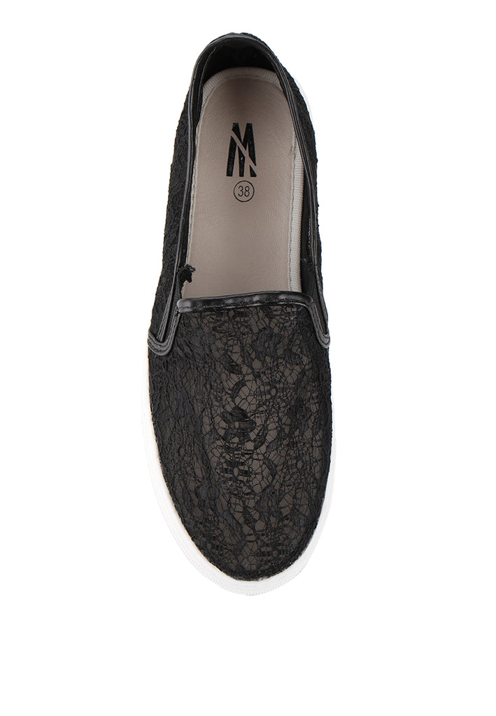 Woman Lace Slip-On - Black