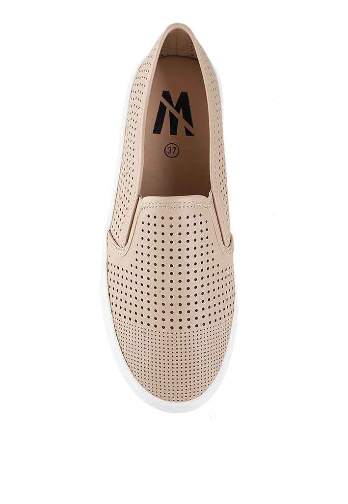 Woman Perforated Slip-On 92706 - Cream