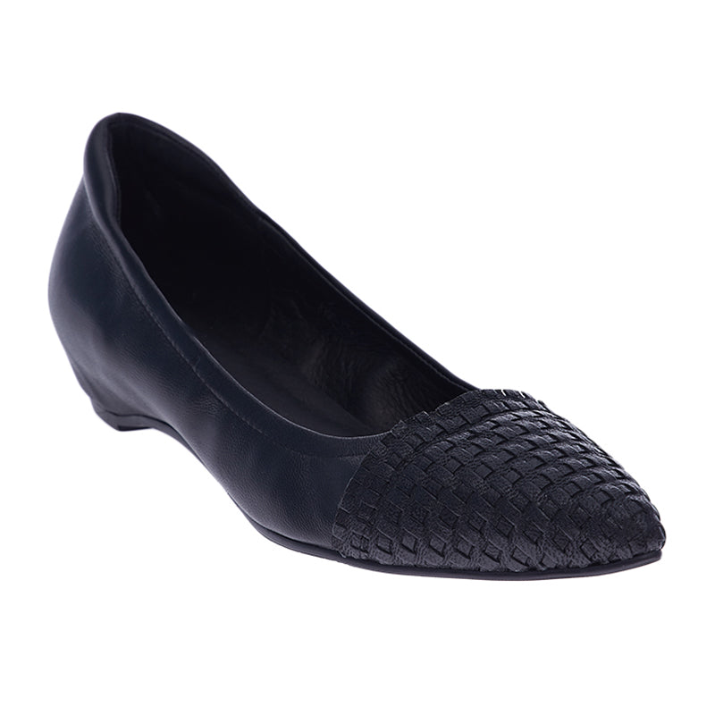 Woman Nadia Leather Flats - Black