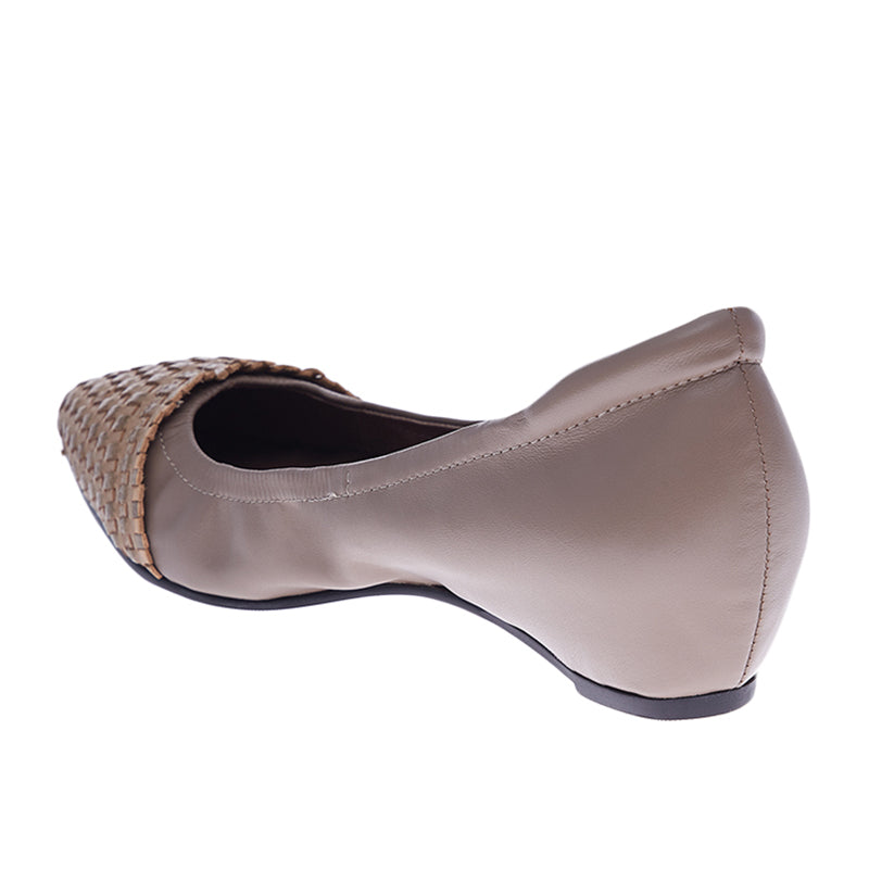 Woman Nadia Leather Flats - Grey