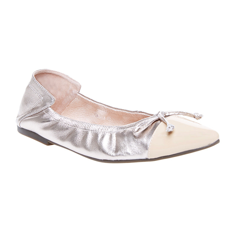 Woman Chloe Leather Flats - Gold