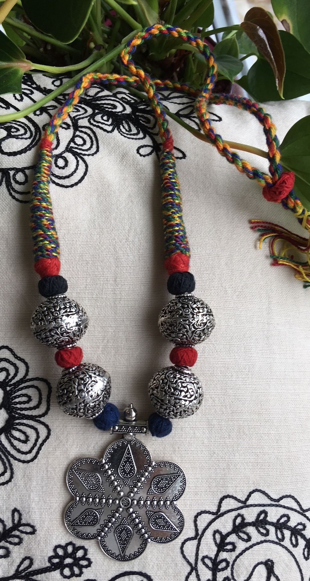 Large beads necklace