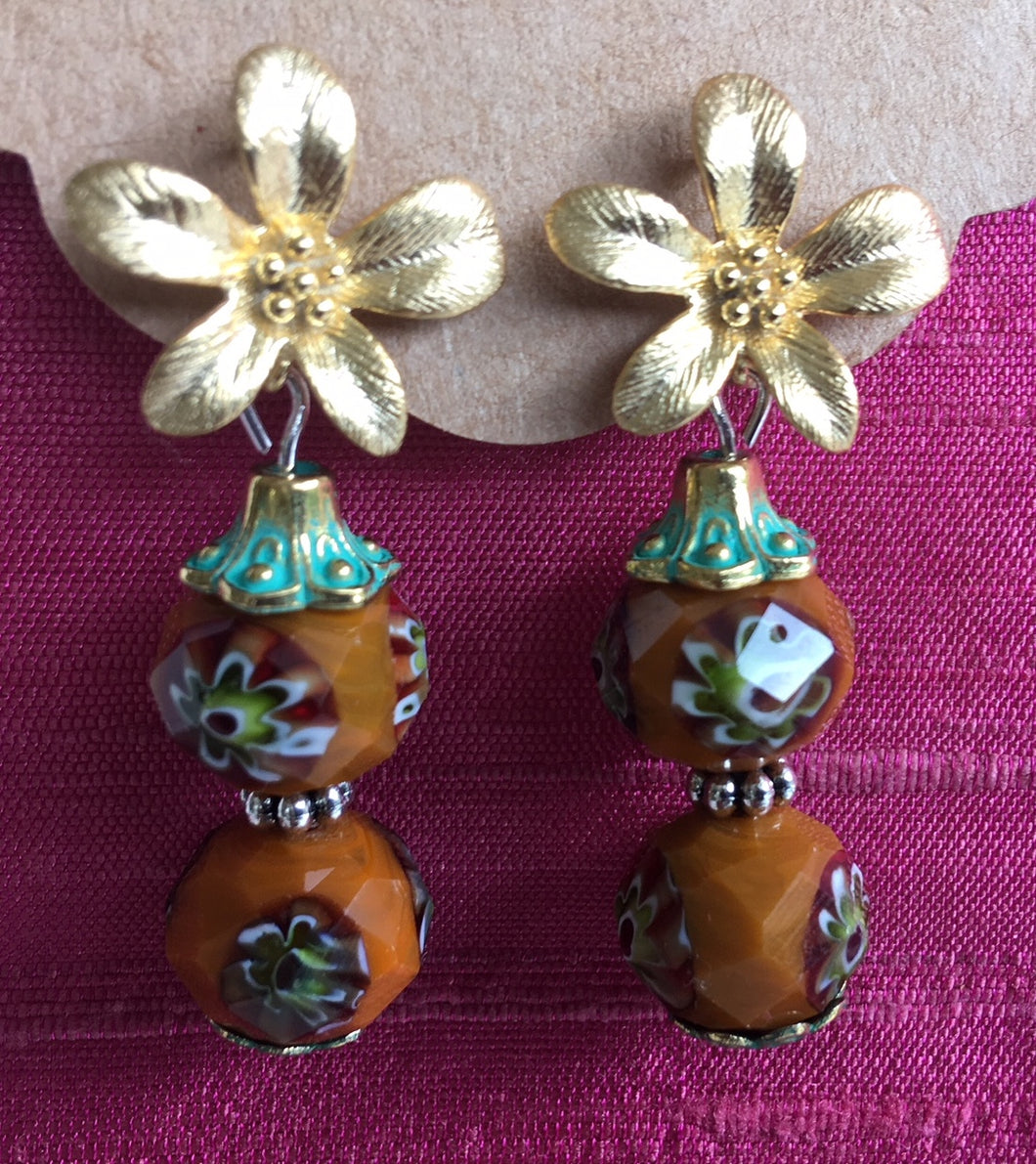 Flower glass beads studs