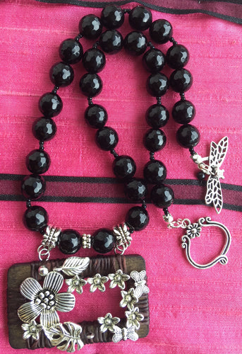 Black agate necklace with wood pendant