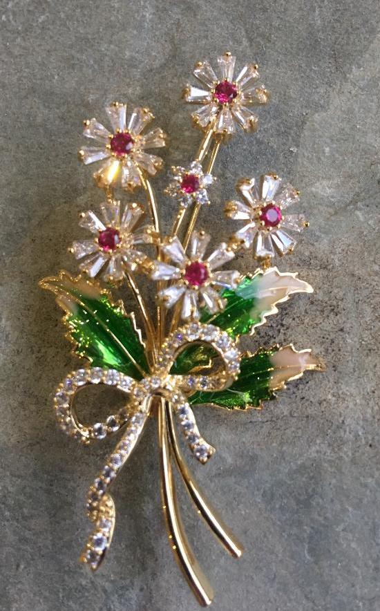 Bouquet of flowers brooch