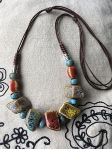 Cearmic beads necklace