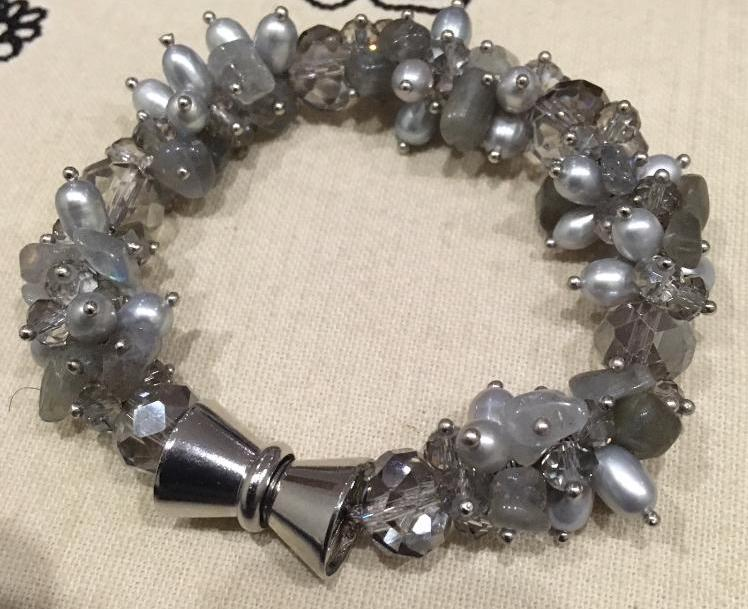Pearl and labradorite bead chunky bracelet