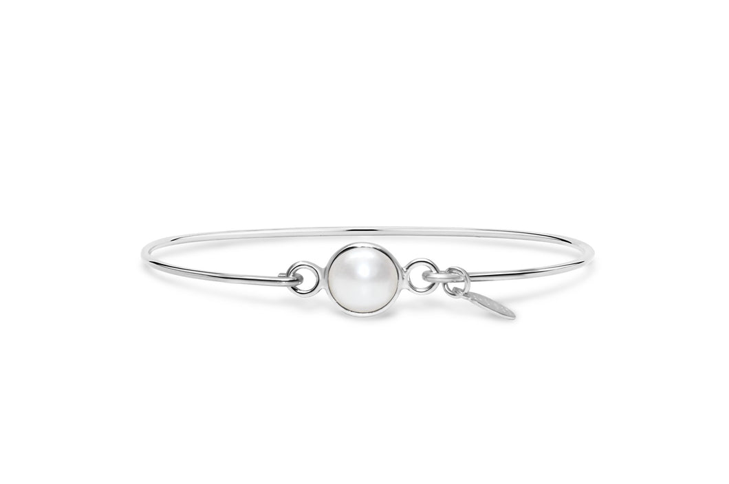 Stia Jewelry: Signature Skinny Bracelet Freshwater Pearl Silver