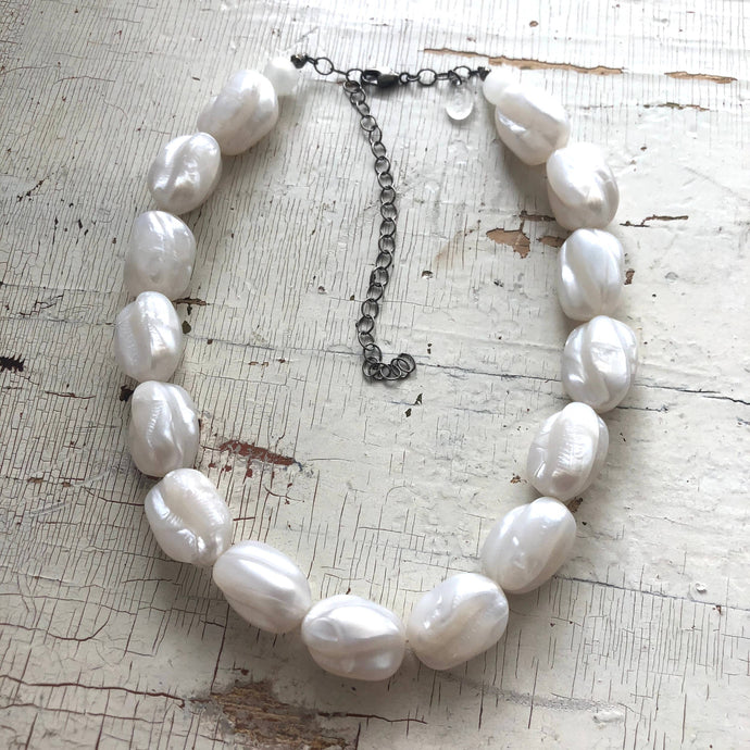 Leetie Lovendale - White Pearl Chunky Twist Bead Lucite Marco Necklace