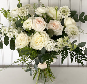 Floral Bouquet - Neutral - White and Ivory