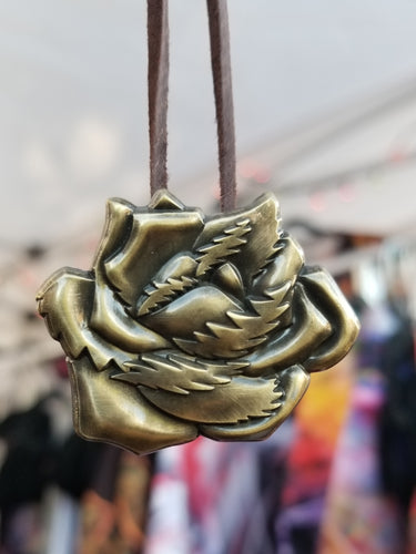 ANTIQUE GOLD ICE PETALS PENDANT
